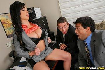 Jewels Jade - raportra az irodába, uraim!