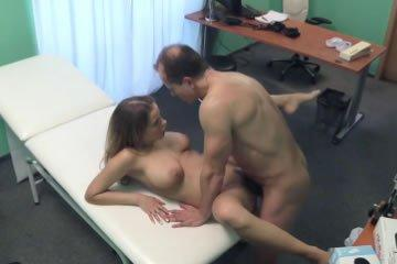nagy-mellek-szex
