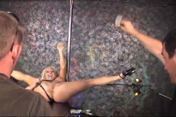 Natasha - a rúdtáncos faszra pattan