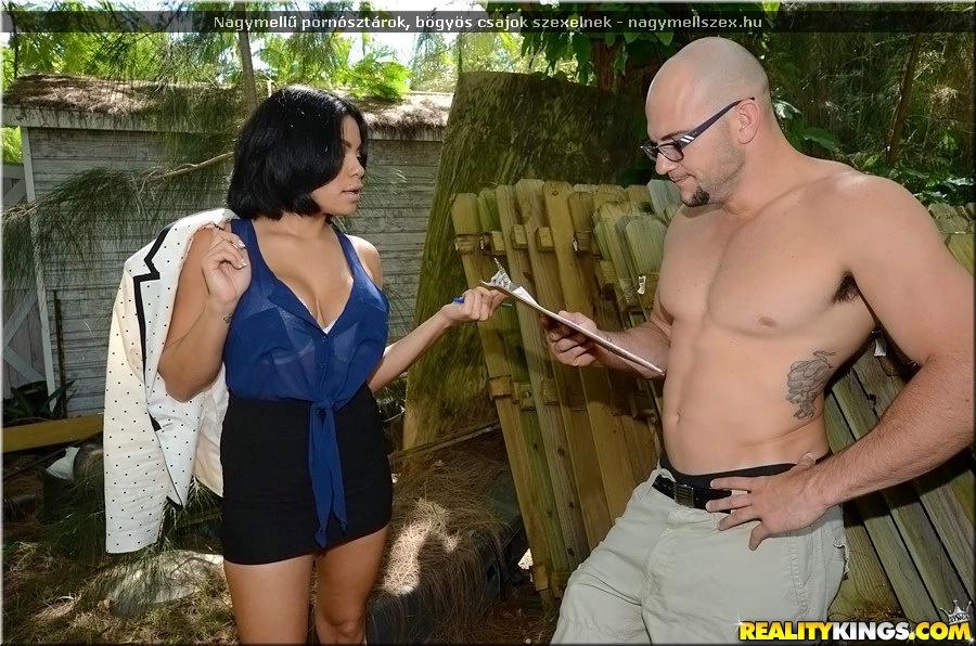 Nagyon nagy fekete kakas szex